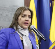 Renunció la vice de Ecuador acusada de corrupción