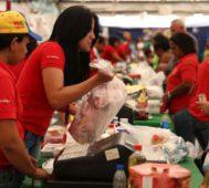 """Caracas: mercados """"intervenidos"""" y furor de las cocadas """"chic"""" – Por Jessica Dos Santos"""