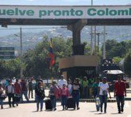 Venezuela y Colombia abren sus pasos fronterizos