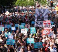 Dos marchas y miles en las calles contra Macron