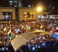Colombianos en las calles contra Duque y por la paz