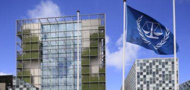 Renuncian funcionarios de La Haya tras amenazas de Trump