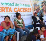 Presentan libro sobre el asesinato de Berta Cáceres