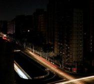 Diez minicrónicas de resistencia en medio del apagón – Por Gustavo Borges