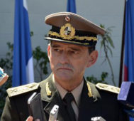 Tabaré Vázquez destituyó al jefe del Ejército