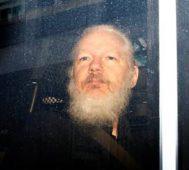 Juicio por extradición de Assange pasa al 25 de febrero