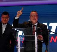 Guatemala: presidente electo dice que romperá con Maduro