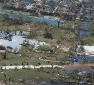 Miles de desaparecidos a una semana del huracán Dorian