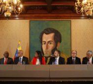 Venezuela: sector opositor firma acuerdo con el Gobierno