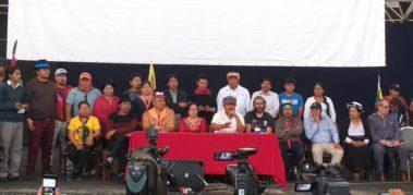 Indígenas piden renuncias y Correa denuncia persecución