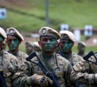 Bolivia inicia la semana bajo asedio militar del régimen