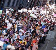México: estudiantes marchan por muerte de universitarios