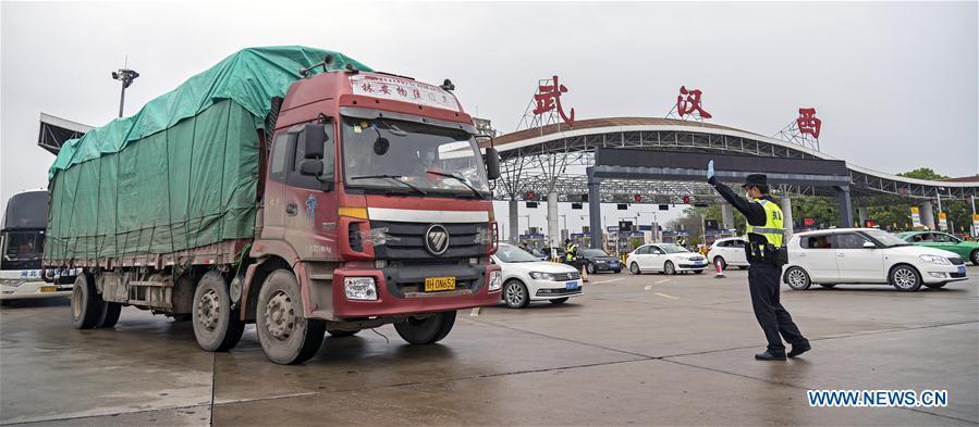China: la ciudad de Wuhan sale del aislamiento