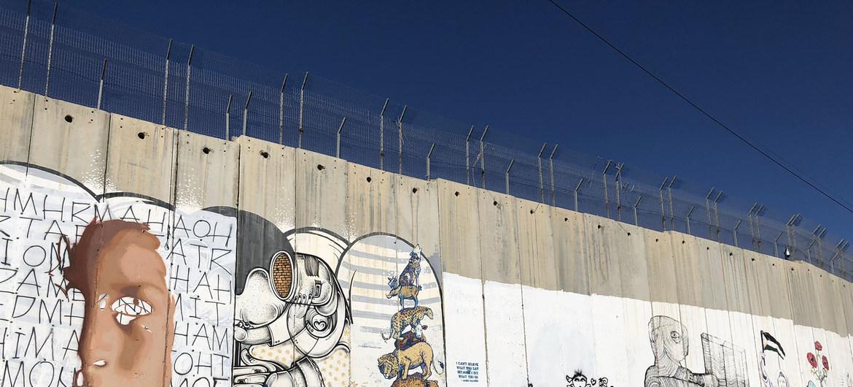 «El muro de Israel no frena el virus pero sí las vacunas»