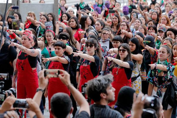 ONU: Chile debe retirar cargos contra un grupo feminista