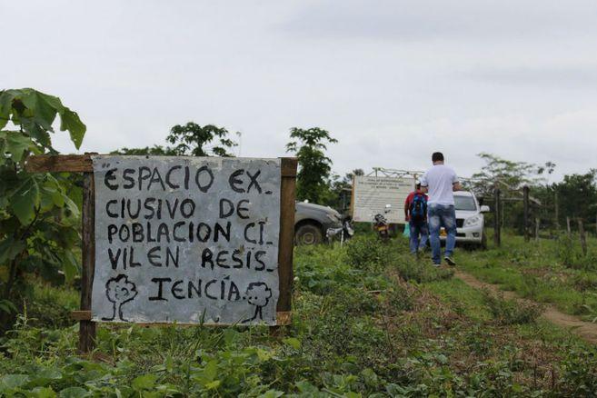 Tras amenazarlo, asesinan a líder comunitario colombiano