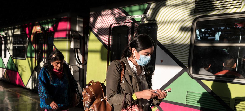Muertes por pandemia marcan diferencias sociales en México