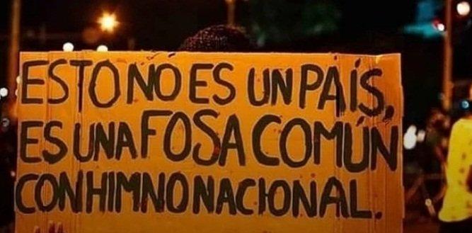 «Colombia es una fosa común con un himno nacional»