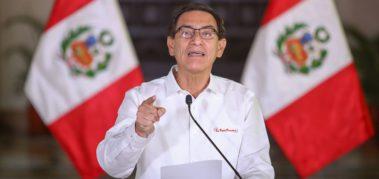 Vizcarra evitó su destitución como presidente de Perú