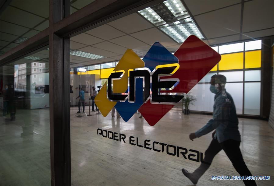 Más de 100 partidos para las legislativas en Venezuela