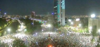 Pueblo chileno celebra el fin de los lazos pinochetistas