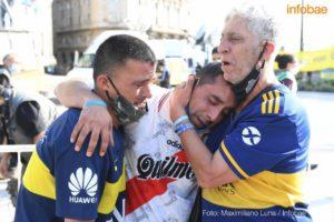 River y Boca lloran a Maradona