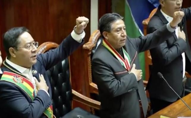 Asumen Arce y Choquehuanca y Bolivia retoma la democracia