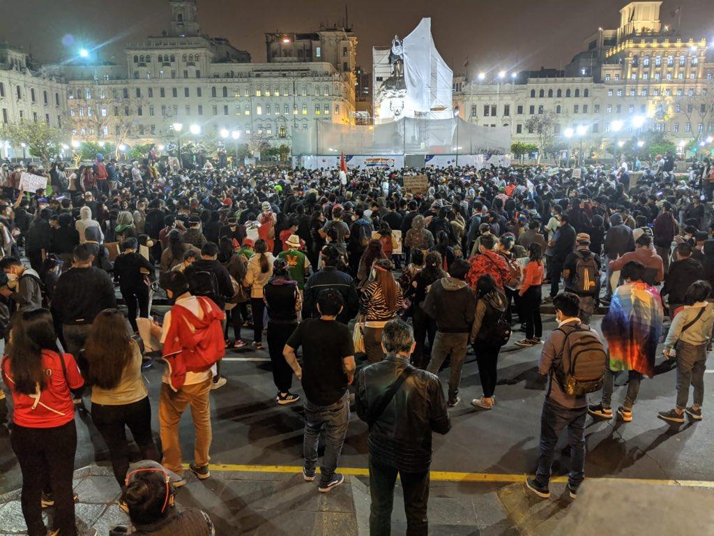 Siguen las protestas en Perú y denuncian represión