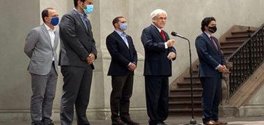 Piñera propuso postergar hasta mayo las elecciones