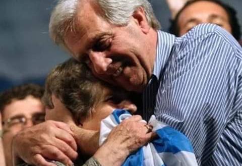 Despiden a Tabaré Vázquez y destacan su liderazgo político