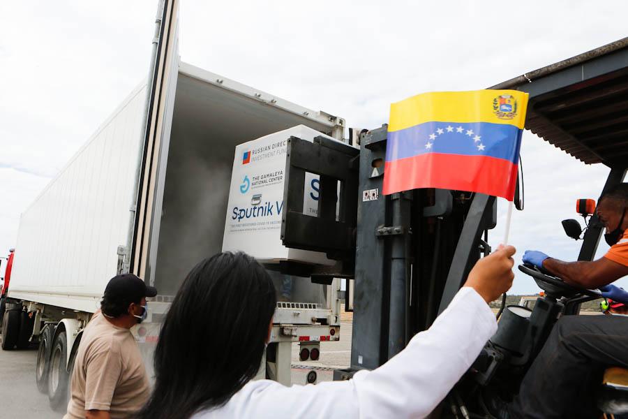 Venezuela recibe las primeras dosis de la vacuna Sputnik V