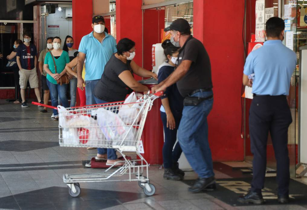 Nuevas restricciones y gran preocupación en Paraguay