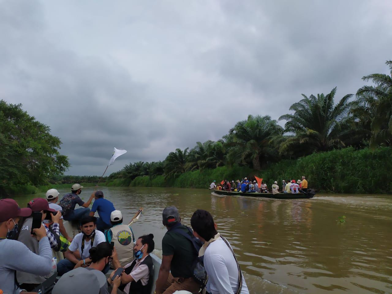 Colombia: avanza por río y por tierra la Caravana Ambiental