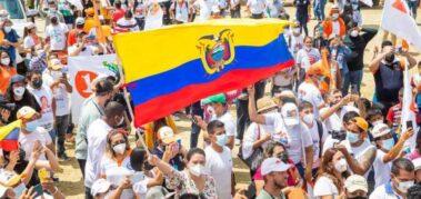 Ecuador: Arauz y Lasso cerraron sus campañas