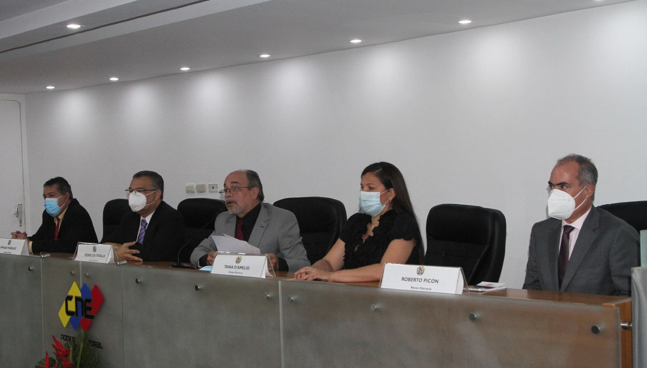 Caracas pide fin de sanciones con el nuevo Poder Electoral