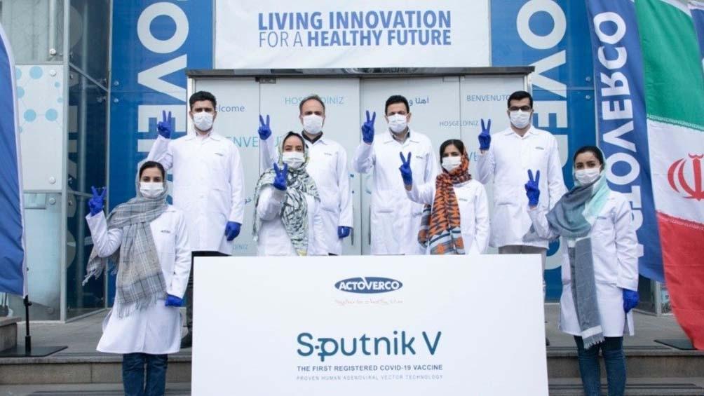 Irán comenzó a producir la vacuna rusa Sputnik V