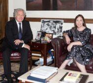 Él, golpista; ella, precandidata presidencial de Argentina