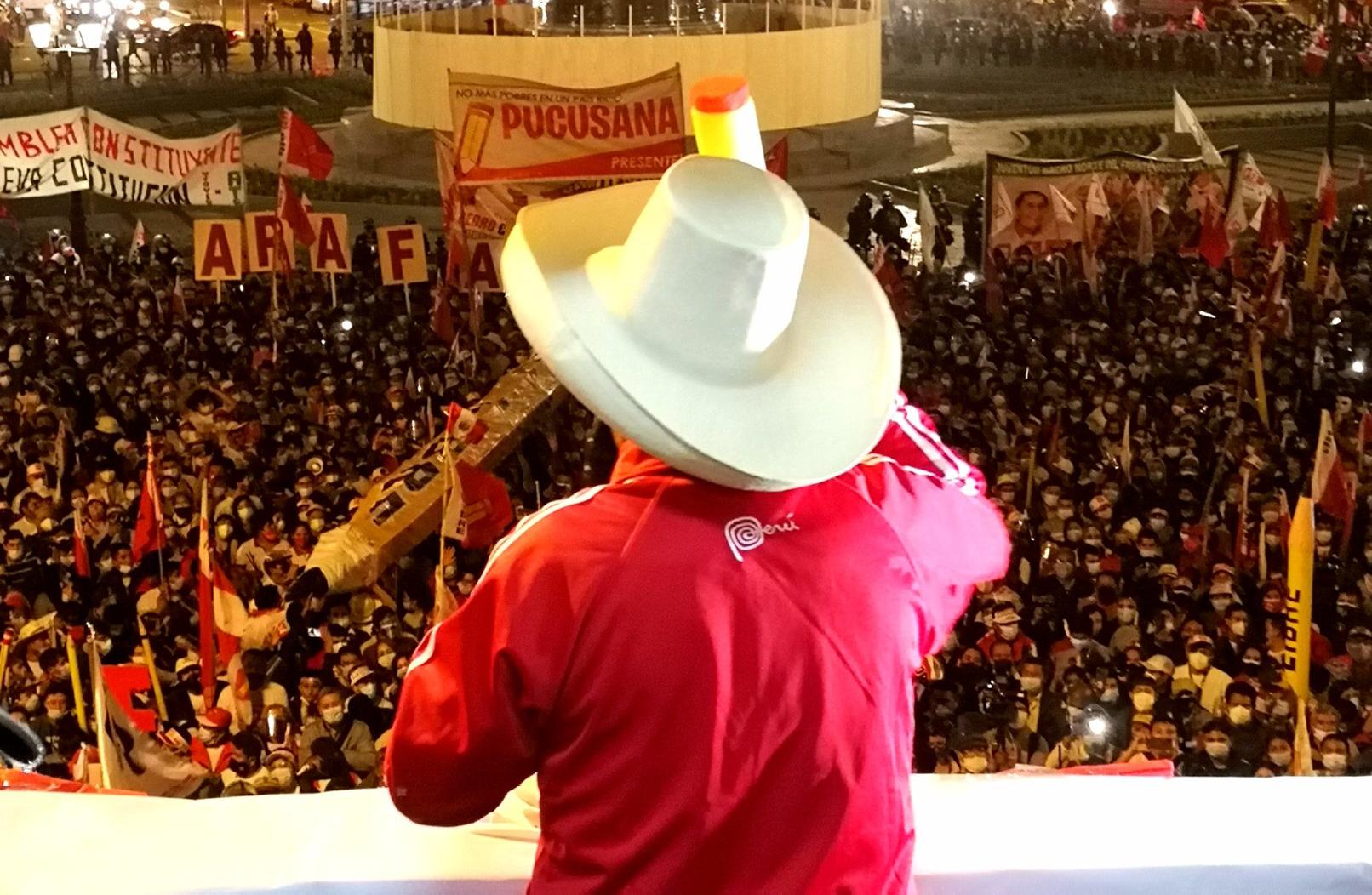 Castillo cada vez más cerca de oficializar su triunfo en Perú