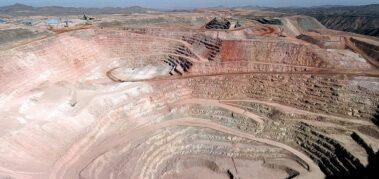 Justicia de Chile frena la extracción de agua de minera