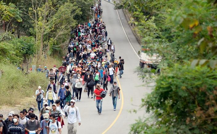 Una nueva caravana migrante avanza hacia Estados Unidos