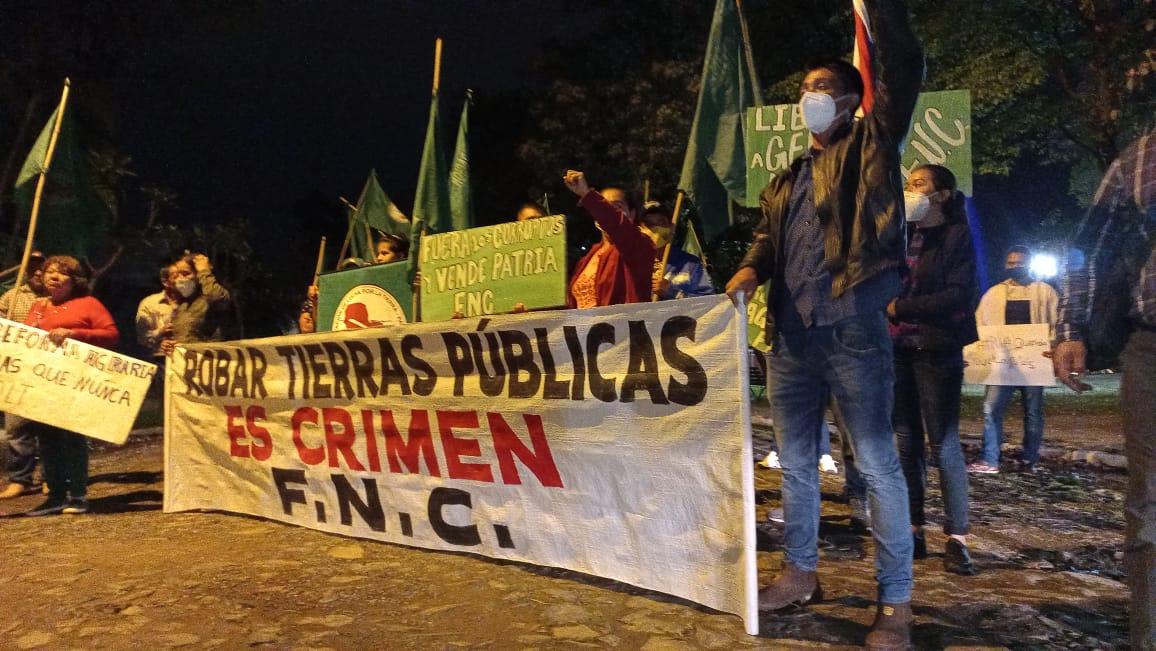 Paraguay: marcha frena la ley que criminaliza a campesinos